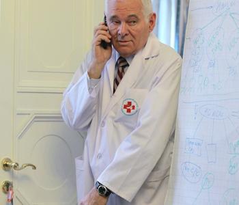 «Вызываю врача». Леонид Рошаль о том, какие кадры вылечат отечественную медицину