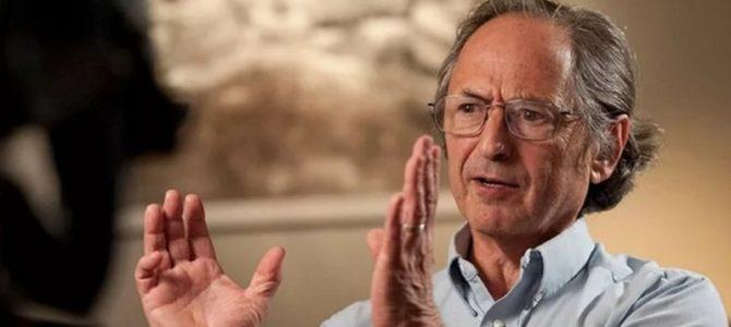 Эпидемия коронавируса замедляется, человечество выживет, говорит биофизик Майкл Левитт